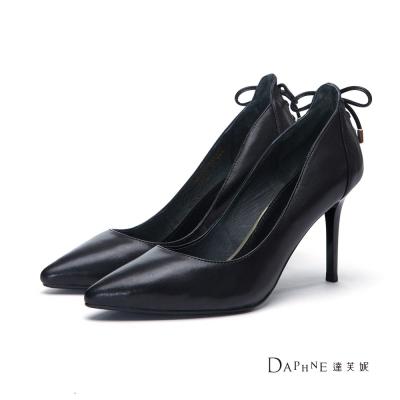 達芙妮DAPHNE-高跟鞋-蝴蝶結綁帶造型真皮尖頭鞋-黑