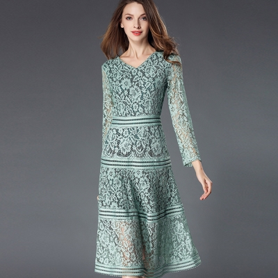 a la mode 艾拉摩兒 淡粉綠緞帶橫條紋層次感鉤花蕾絲洋裝(S-2XL)