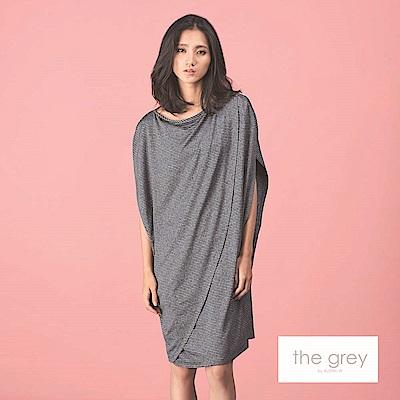 吳日云- 條紋繭型長版洋裝