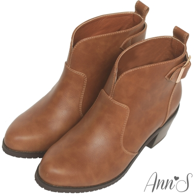 Ann'S美靴嚴選-前V口金屬後釦帶粗跟短靴-咖