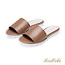 LisaVicky簡約隨興一字寬版平底涼拖鞋-氣質焦糖棕