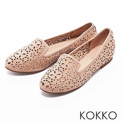 KOKKO -浪漫輕奢感鏤空雕花平底樂福鞋-柔美粉