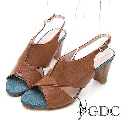GDC-真皮交叉特殊拼接低跟涼鞋-卡其色
