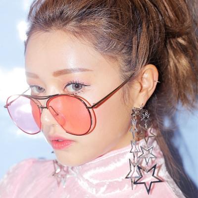 梨花HaNA 誇張時髦感韓國層次星星耳環金色