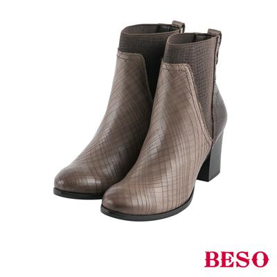 BESO前衛風範 鬆緊帶拼接粗跟短靴~灰