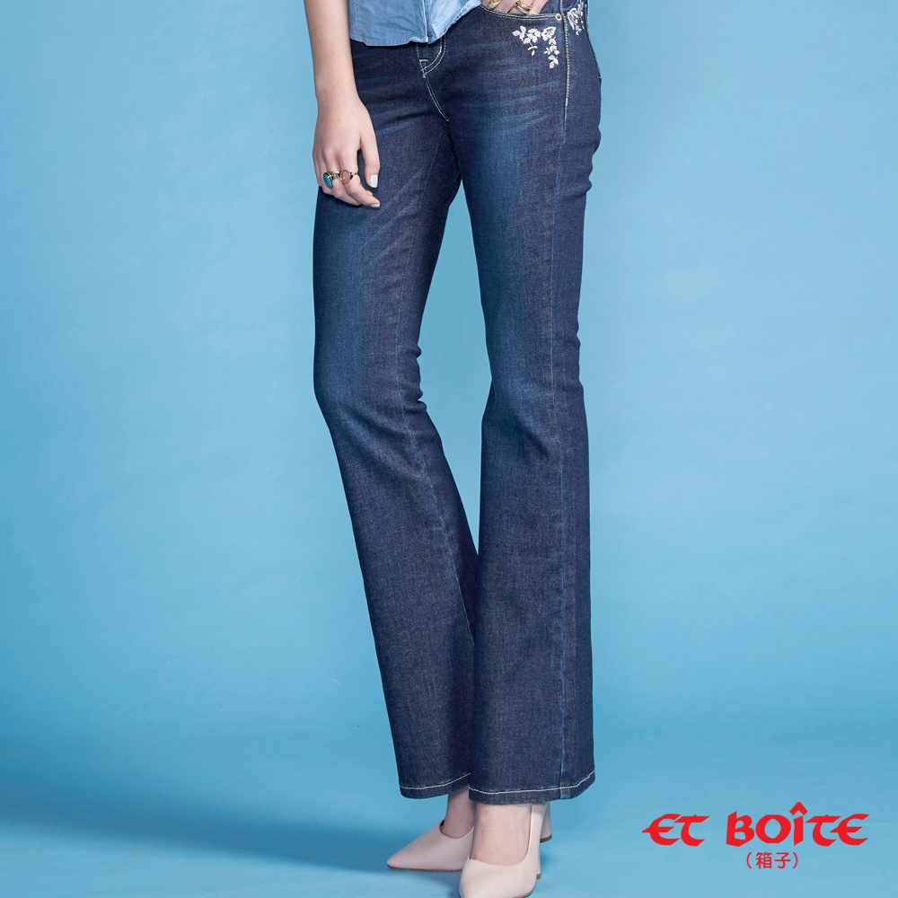 ETBOITE 箱子 BLUE WAY 精繡鑽微彈中腰靴型褲-深藍