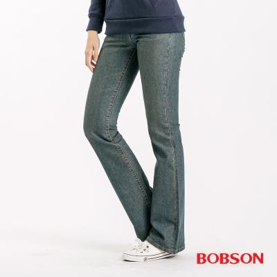 BOBSON 女款低腰伸縮小喇叭褲-中藍