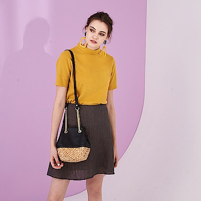 簡約時尚麻質剪接波浪膝上造型短裙(兩色) -咖