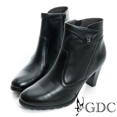 GDC個性-反折鉚釘側拉鍊真皮中跟短靴-黑色