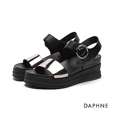 達芙妮DAPHNE 涼鞋-圓環扣帶一字楔型厚底涼鞋-黑