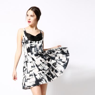 ICHE 衣哲 水墨印花馬甲式拼接造型洋裝