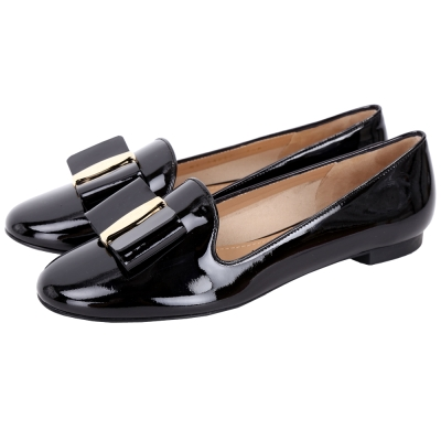 Salvatore Ferragamo Elisabel蝴蝶結飾漆皮樂福鞋(黑色)