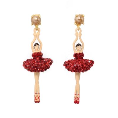 Les Nereides 優雅芭蕾舞女孩系列 珍珠閃耀水鑽紅色芭蕾舞者耳針式耳環