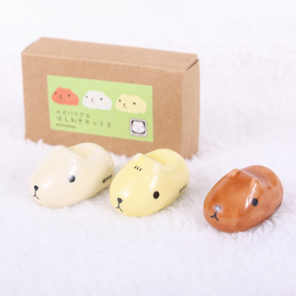 Kapibarasan 水豚君系列陶瓷造型水豚君筷子架(黃)