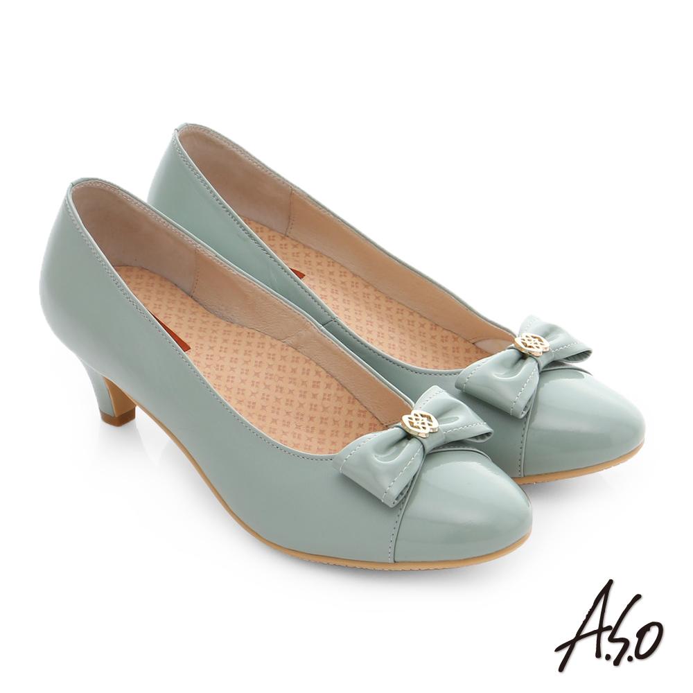A.S.O 舒活寬楦 全真皮蝴蝶結飾扣奈米窩心低跟鞋 淺綠色