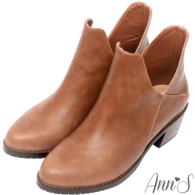 Ann'S帥氣韓系-素面雙側V顯瘦簡約粗跟短靴-咖