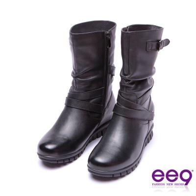 ee9 率性風采金屬扣環交叉繫帶抓皺素面粗跟中筒靴 黑色