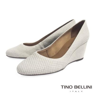 Tino Bellini 巴西真皮立體蛇紋壓紋楔型鞋_灰白