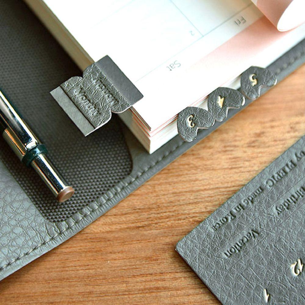 PLEPIC 愛心造型皮革標籤貼-酷冷灰
