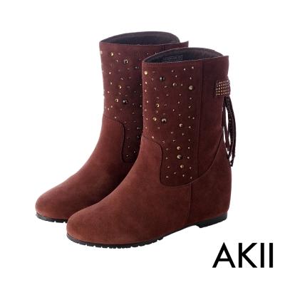 AKII韓國空運‧真皮手感鞋面點綴亮飾隱形內增高靴-咖啡