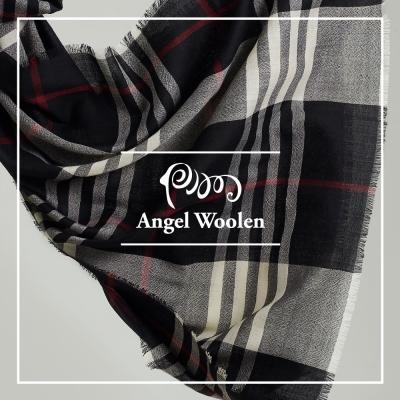 ANGEL-WOOLEN-浪漫英倫極緻羔羊毛披肩-圍巾-經典黑