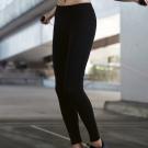 推Audrey-就是愛運動 運動型九分褲(伸展黑)