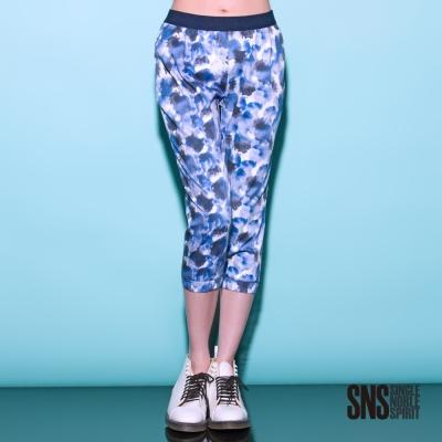 SNS 斑斕水墨潑彩七分彈性褲(1色)