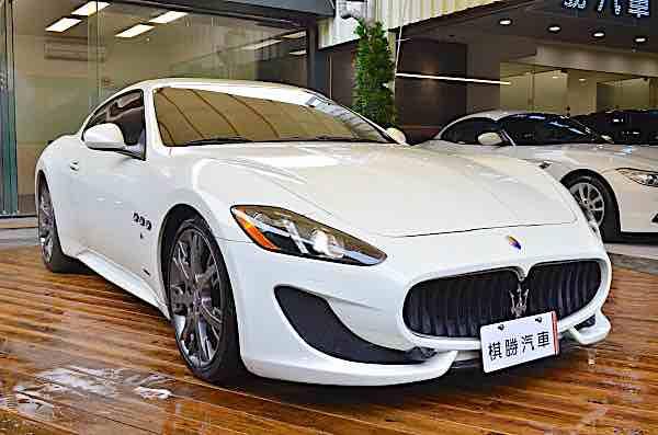 2013 Maserati Gran Turismo Auto