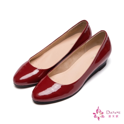 達芙妮DAPHNE-微尖經典素色簡約小坡跟鞋-高貴