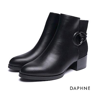 達芙妮DAPHNE 踝靴-金屬圓環繩結拼接短絨粗跟踝靴-黑