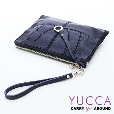 YUCCA - 拼接造型個性手拿包 - 深藍色 E6010071C41