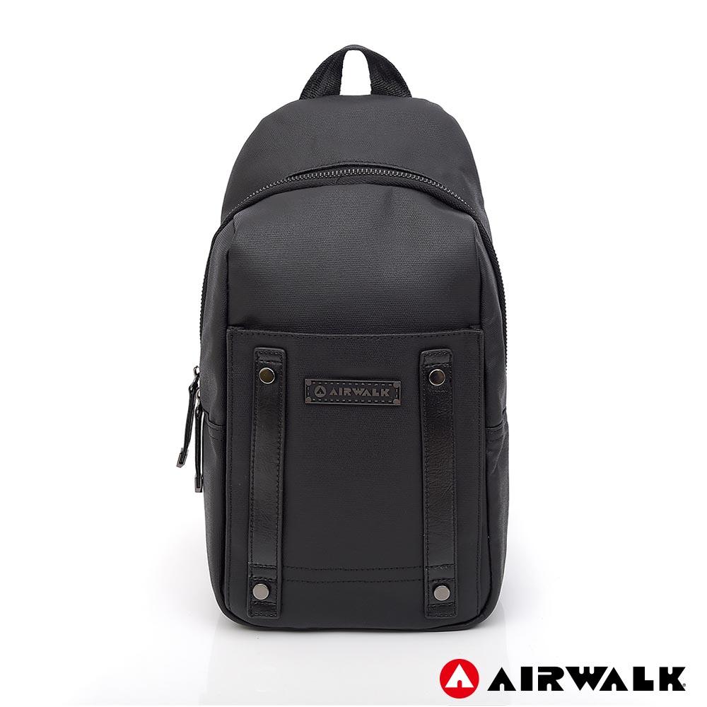 【AIRWALK】快意生活黑金系列後背包-共兩色