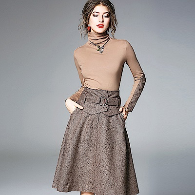 ABELLA 艾貝拉 卡布奇諾高領拼接腰帶設計短裙套裝(S-3XL)