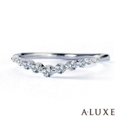 A-LUXE 亞立詩鑽石 18K金 V型時尚流線 美鑽線戒女戒