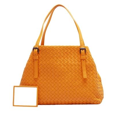 BOTTEGA VENETA 經典羊皮編織釦環提把肩背包(小-亮橘)