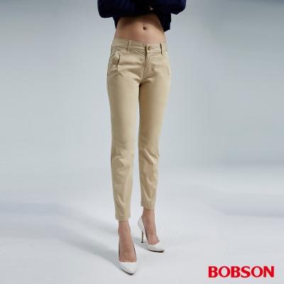 BOBSON  女款打摺小直筒色褲(卡其8060-72)