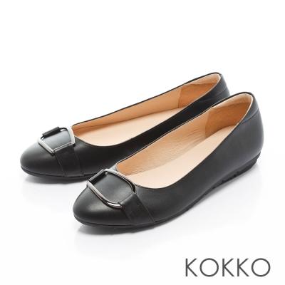 KOKKO-復古圓環扣皮帶真皮彈力休閒平底鞋-黑色