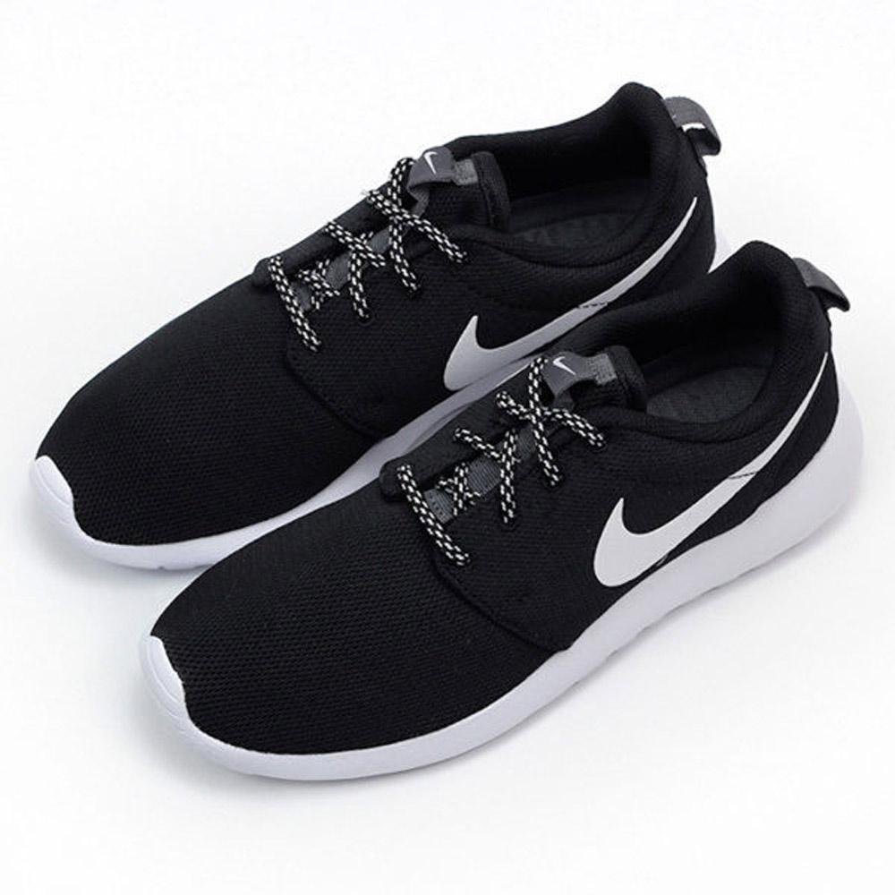 Nike 慢跑鞋 ROSHE ONE 女鞋 | 慢跑鞋 |