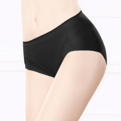 內褲 健康抑菌竹炭中腰M-XL無痕內褲 神秘黑 可蘭霓Clany