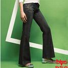 【BOBSON】女款寬潮作貼口袋小喇叭牛仔褲(87灰)