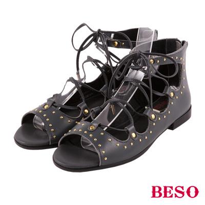 BESO 歐美率性 金色鉚釘羅馬綁帶涼鞋~深藍