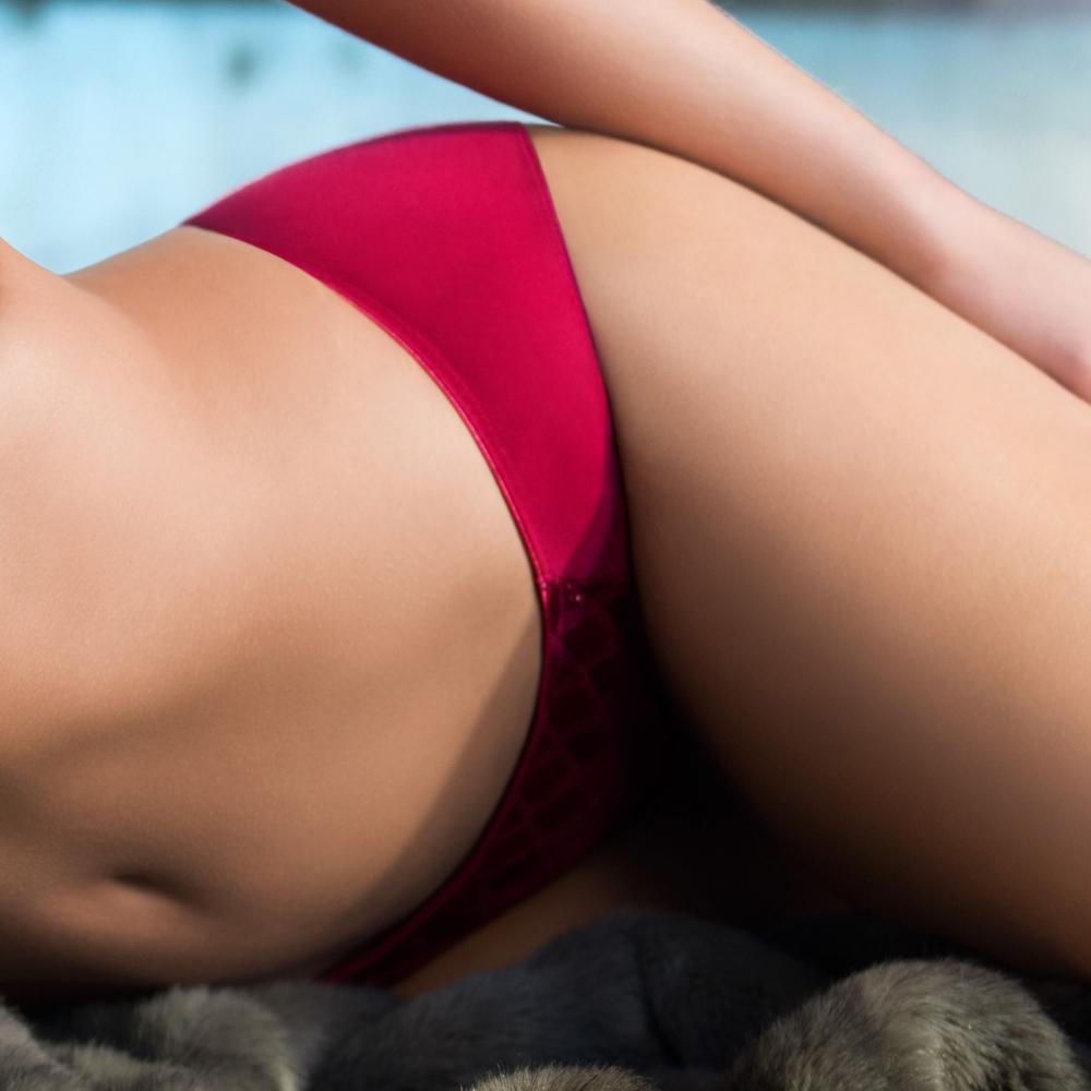 黛安芬-艾聖思V型水感動系列M-EL低腰內褲(紅焰西班牙)