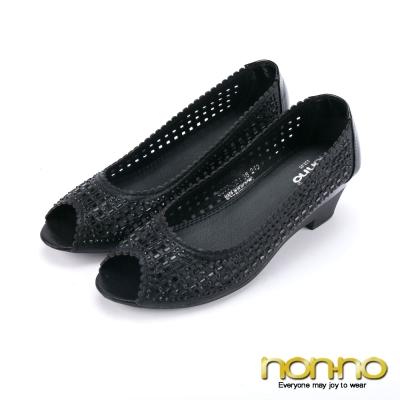 nonno-花漾佳人-緞面沖孔魚口跟鞋-黑