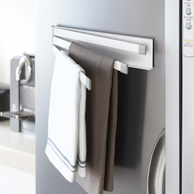【YAMAZAKI】Plate磁吸式三桿毛巾架★抹布架/毛巾收納/廚房收納