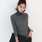 正韓 套頭排釦裝飾直紋針織上衣 (共二色)-N.C21