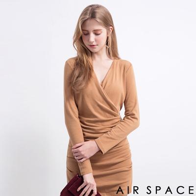 AIR-SPACE-V領抓皺裙襬合身洋裝-卡其
