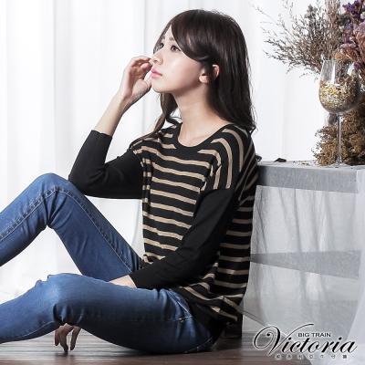Victoria 條紋寬鬆長袖線衫-女-駝條黑底