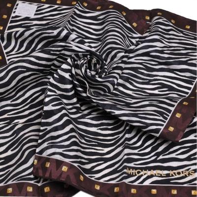 MICHAEL KORS 品牌字母MK LOGO MK斑馬圖騰混絲質領帕巾(白底/咖啡邊)