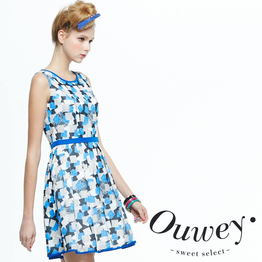OUWEY歐薇 幾何塗鴉配色網眼背心洋裝
