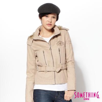 SOMETHING修身率性綁帶鋪棉外套-女款-卡其色